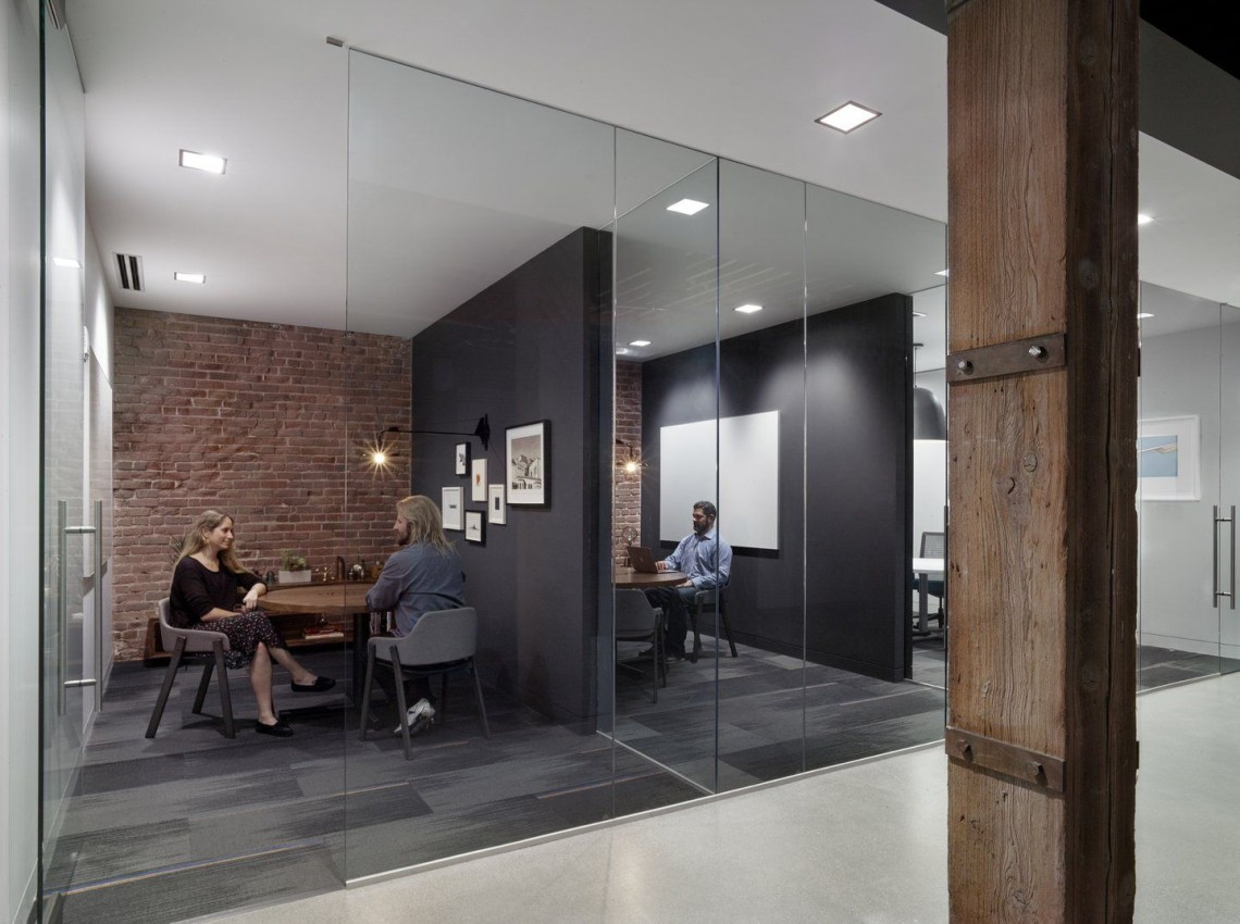 Weebly Headquarters Breakout Space Modern Office Design