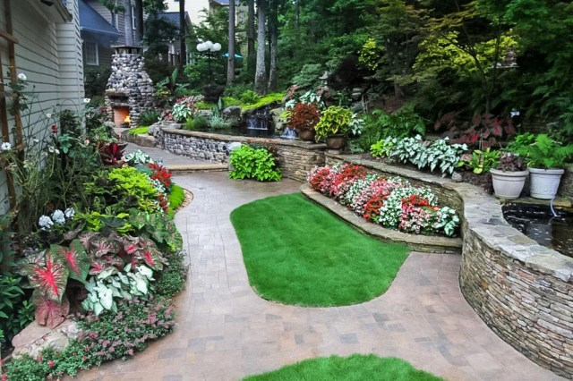 Why You Should Hire A Professional Landscaping Company To