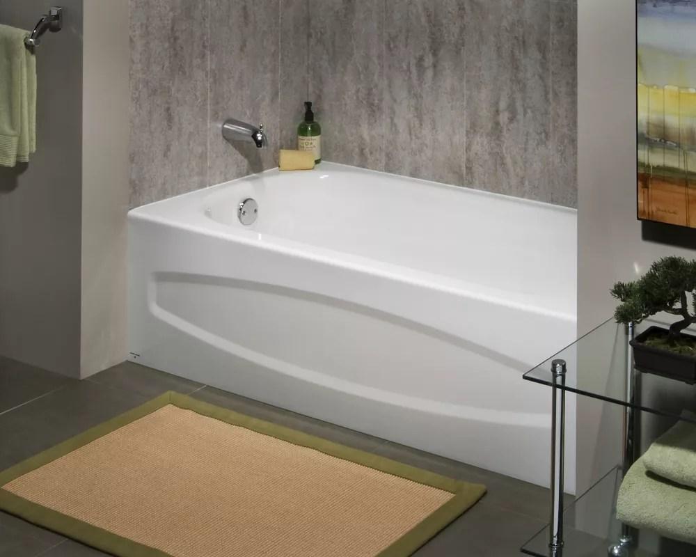 baignoire rectangulaire en acier emaille de 5 pieds en alcove avec sortie pour la main gauche en blanc