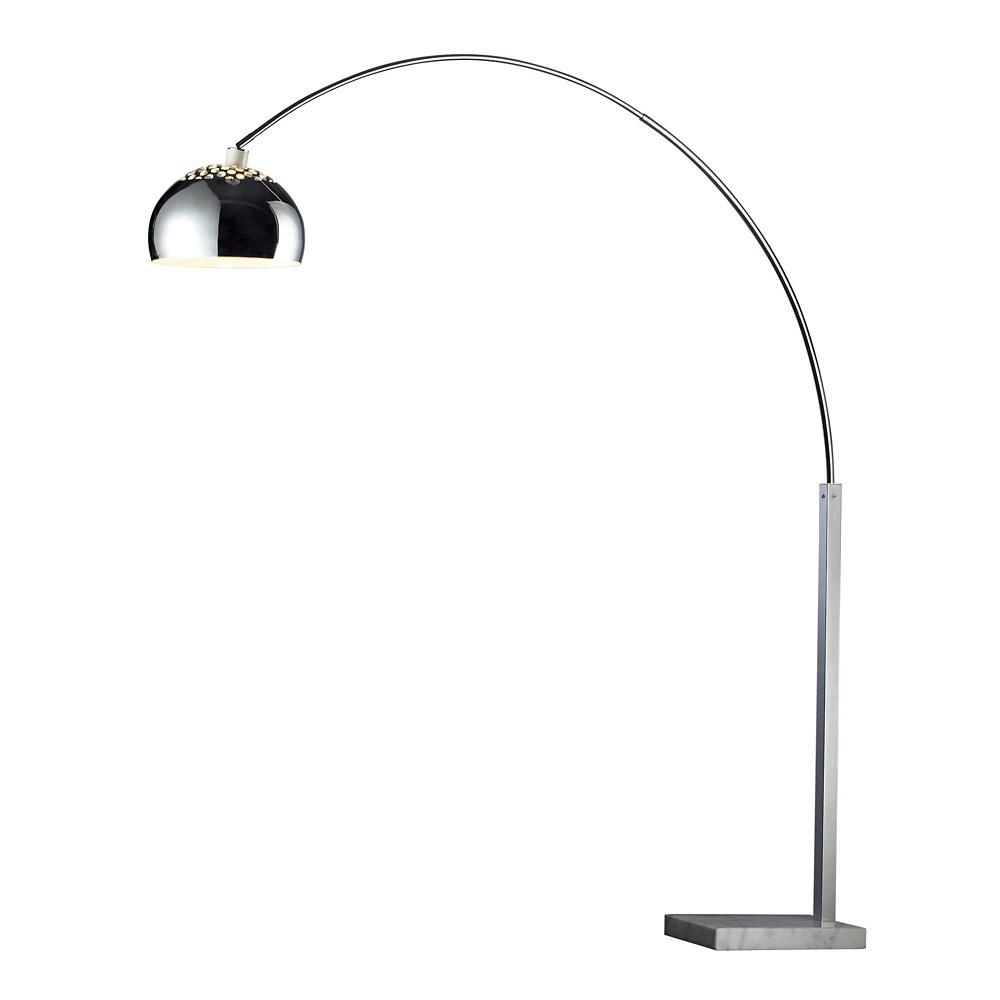 lampe a pied penbrook arc au fini chrome avec base en marbre blanc