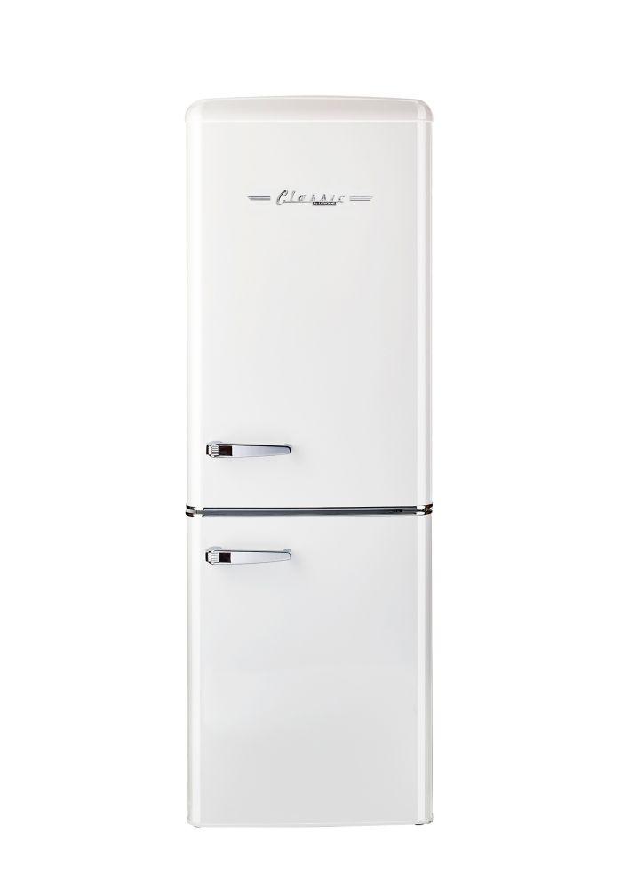Unique Retro 21 6 Inch 7 Cu Ft Bottom Freezer Refrigerator The Home Depot Canada