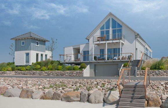 Beautiful Beach Villa Mommsen