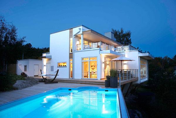 Distinct Splashy House