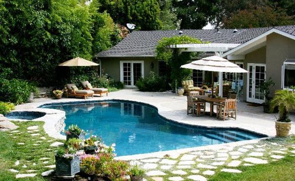 15 amazing backyard pool ideas home