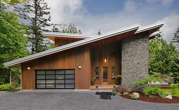 Issaquah House in Squak Mountain With Modern Cottage Features
