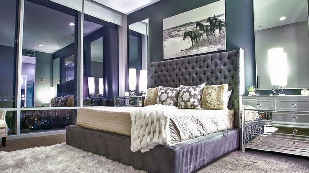 15 Sample Photos of Decorating with Mirrored Furniture in ...