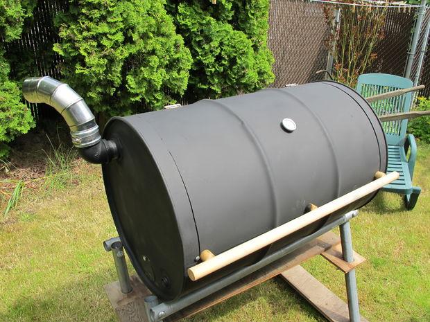 BBQ barrel grill
