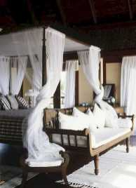 Dreamy Canopy Beds 0004