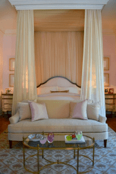 Dreamy Canopy Beds 0011