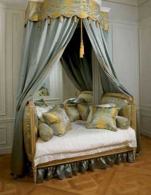 Dreamy Canopy Beds 0018