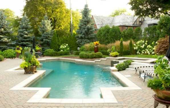 Brick Patio With Off White Pool Border