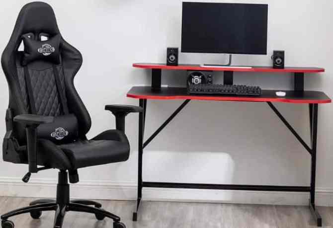 Ergonomic Gaming Desk design