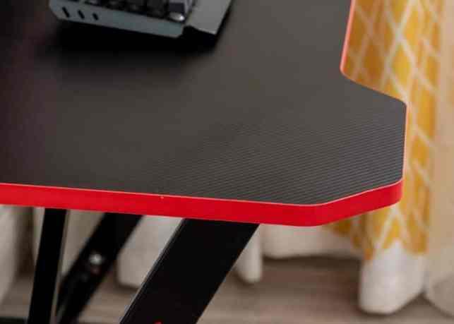 Ergonomic Gaming Desk design2