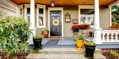 Porch Planters With Pizzazz – How to Dress Up Your Front Porch