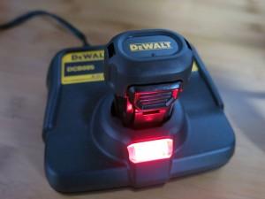 dewalt-gyroscopic-charger