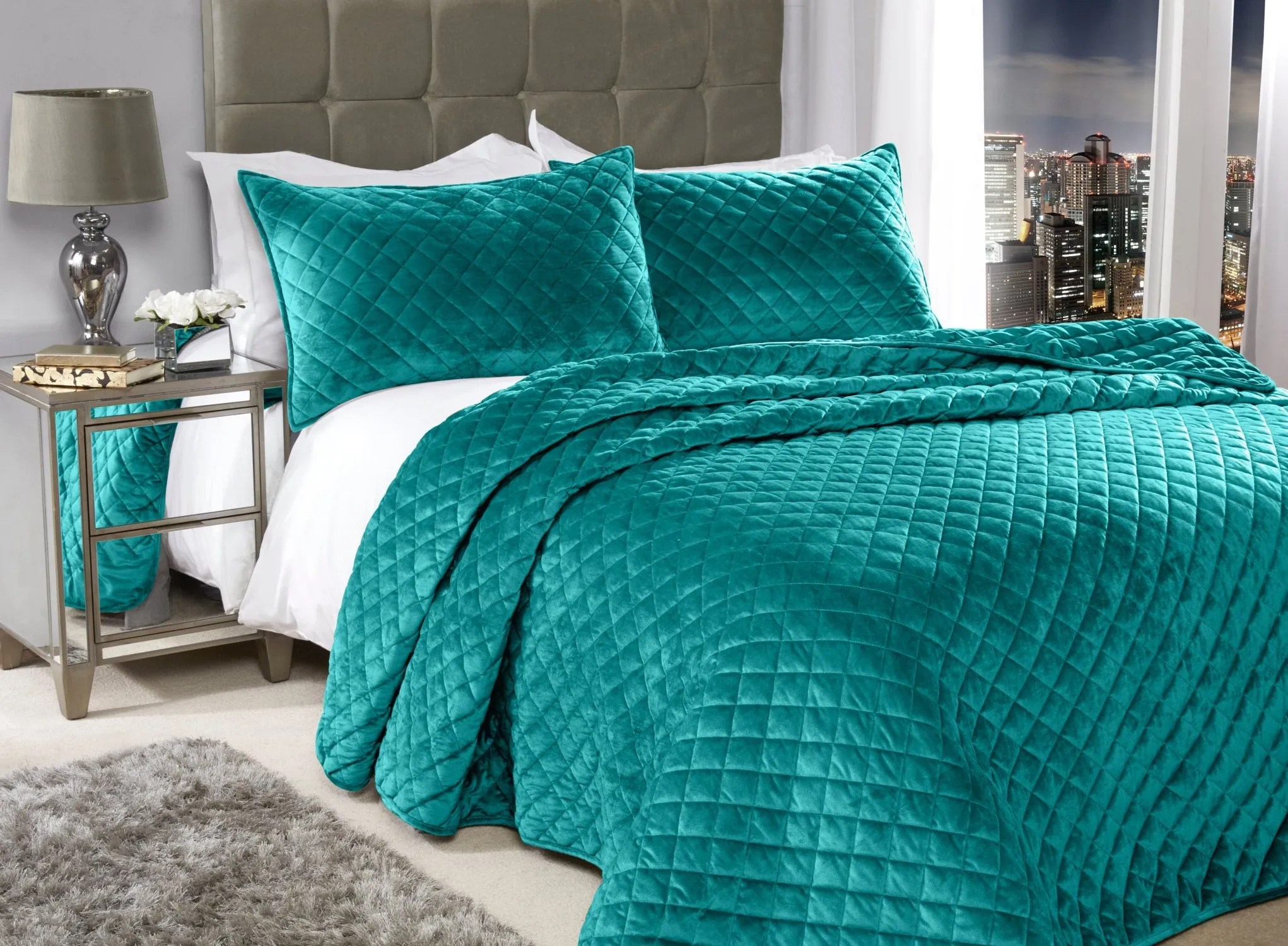 Size Quilted King Throw