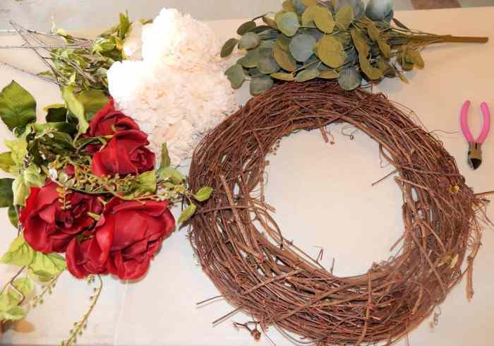 Easy DIY Wreath - Supplies to make wreath