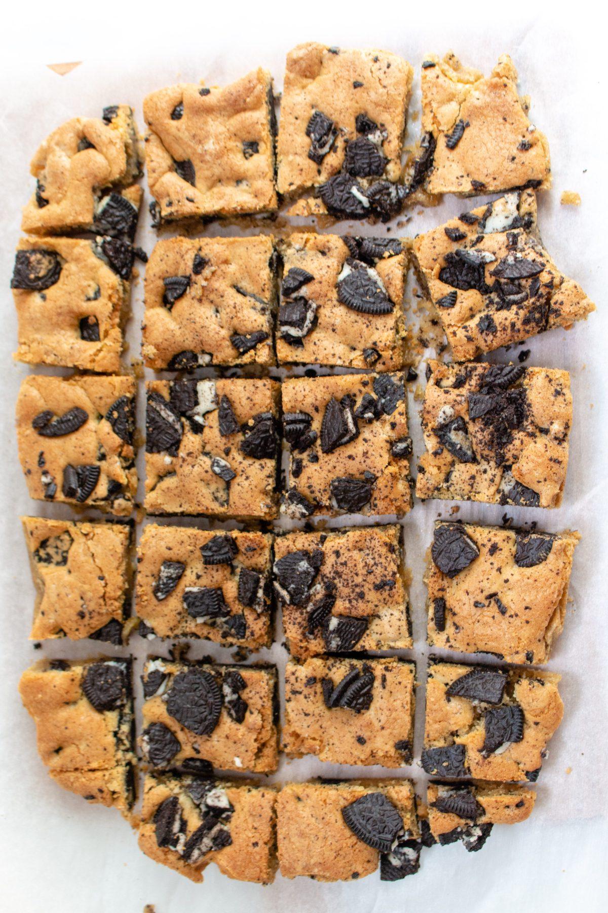 cookies n cream blondies