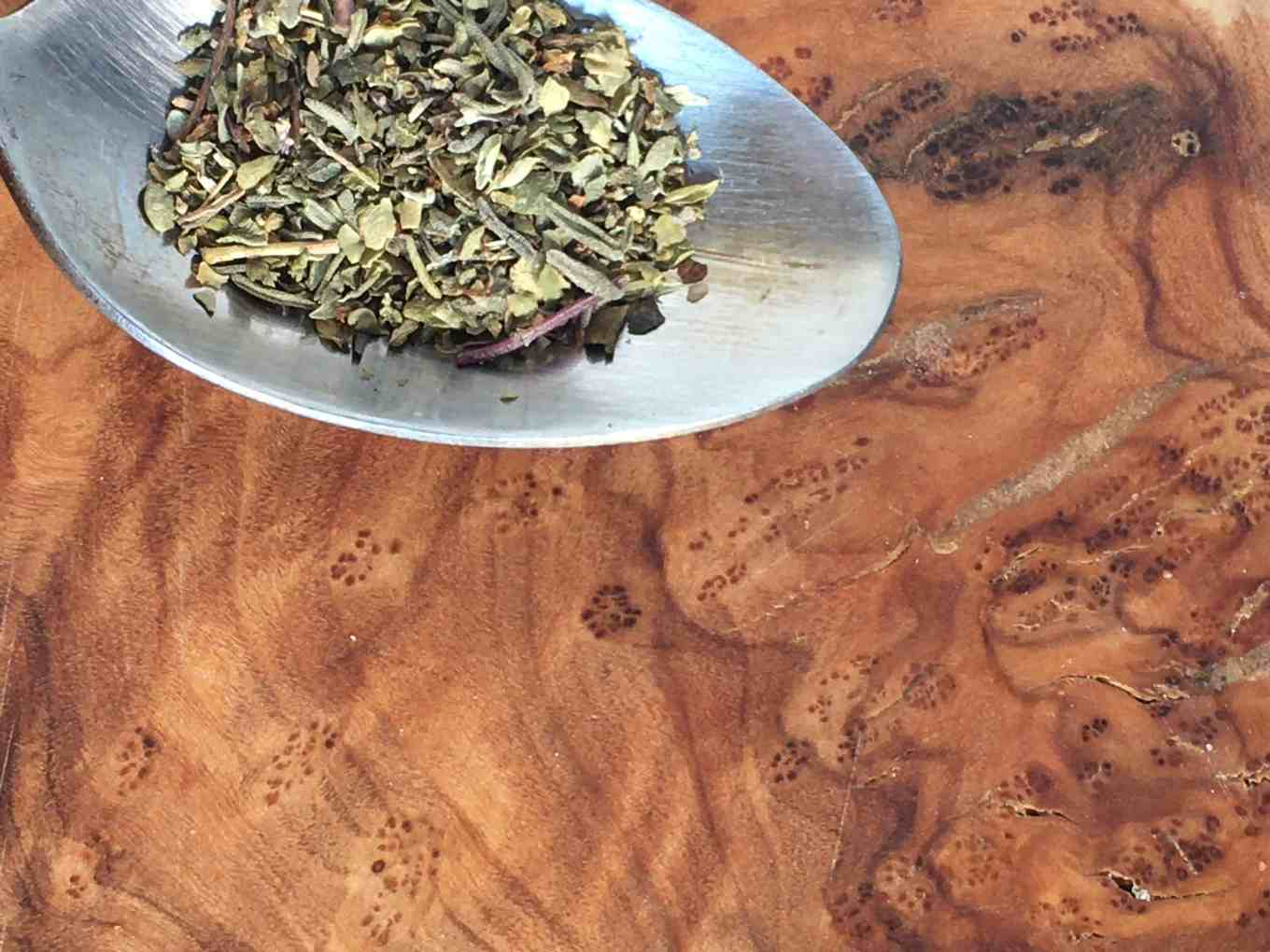 preserve all sorts of herbs by drying - teaspoon of dried leaves