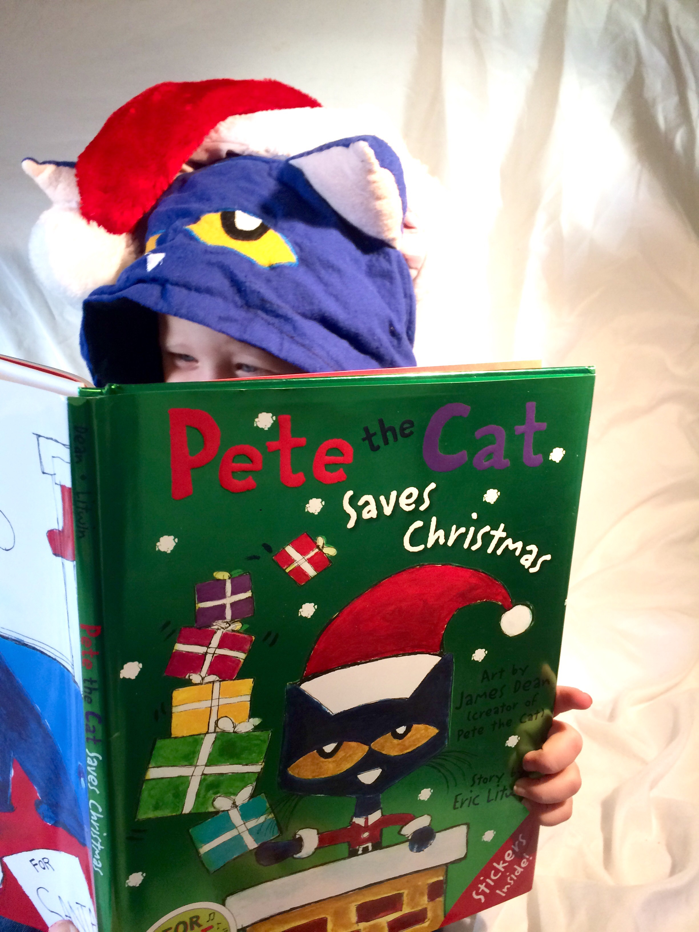 Pete The Cat Christmas.Pete The Cat Saves Christmas Homegrown Reader