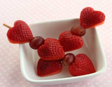 Strawberries help in fighting with free radicals