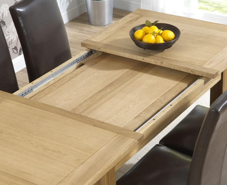 Extendable Oak Dining Table @ HomeHighlight.co.uk