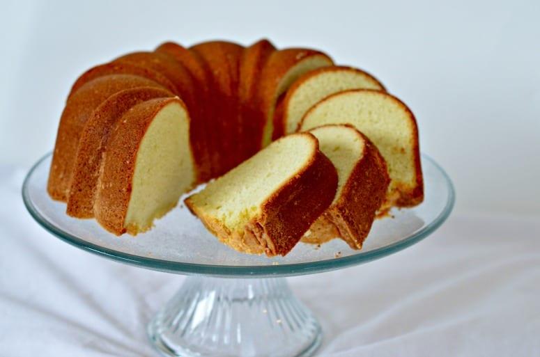 What Temperature Do You Bake A Pound Cake