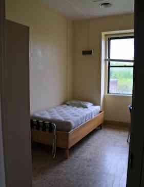 Elliot Hall Room