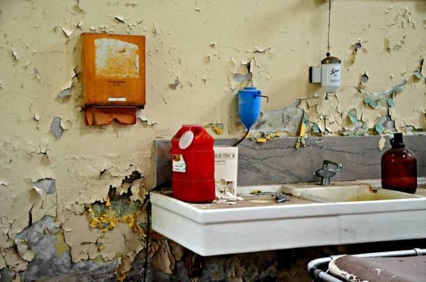 Willard Morgue Sink