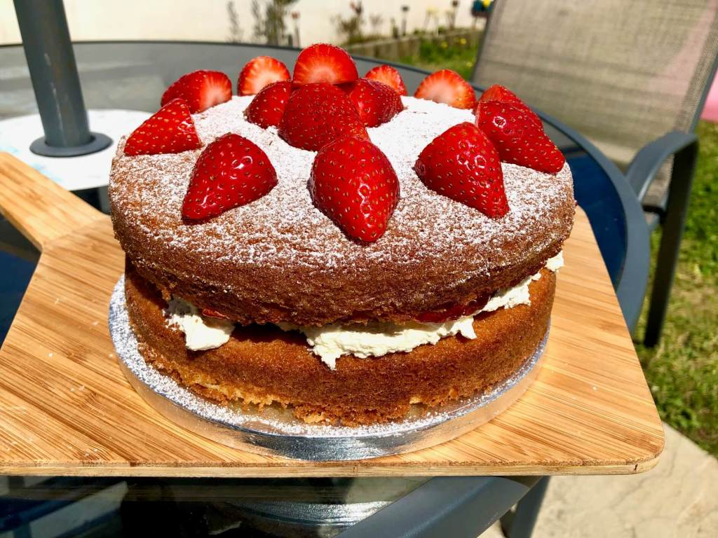 Celebrating VE Day With a Classic Victoria Sponge