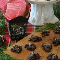 Easy Holiday Food Gift: Spicy Dark Chocolate Nut Clusters