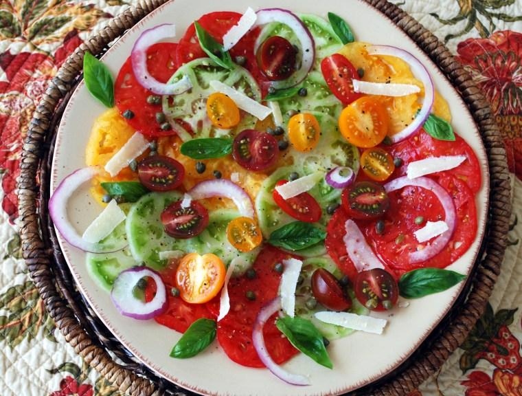 Heirloom Tomato Carpaccio Salad | ©homeiswheretheboatis.net #summer #tomato #salad #recipe #easy #healthy