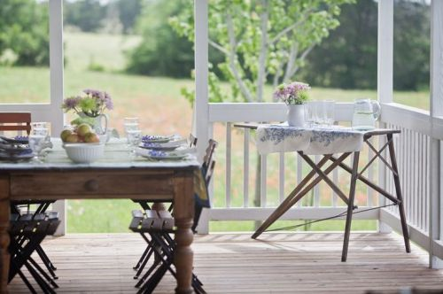 Cedar Hill Farmhouse Outdoor Dining