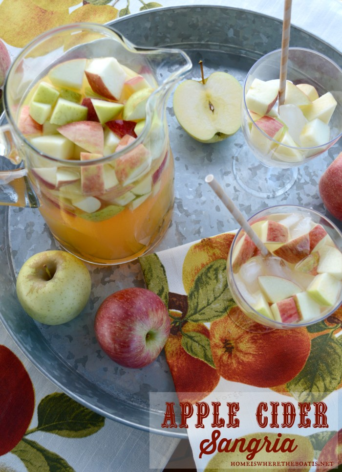 Apple Cider Sangria | ©homeiswheretheboatis.net #fall #cocktail #apples #sangria