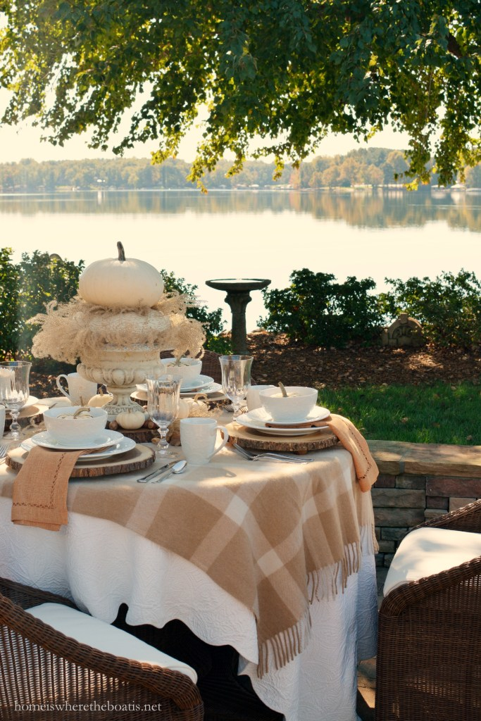 The softer side of fall tablescape | ©homeiswheretheboatis.net #fall #tablescapes #alfresco #lake