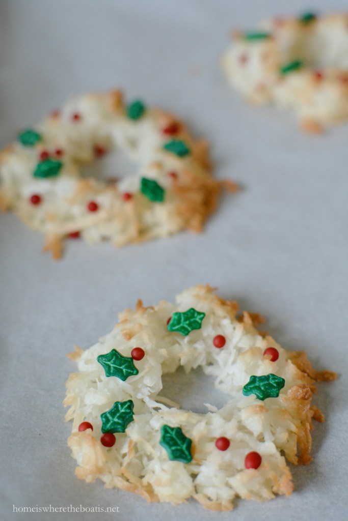 Christmas Wreath Macaroons! Only 4 ingredients and as fun to make as they are to eat! | ©homeiswheretheboatis.net #glutenfree #cookies #christmas #recipes