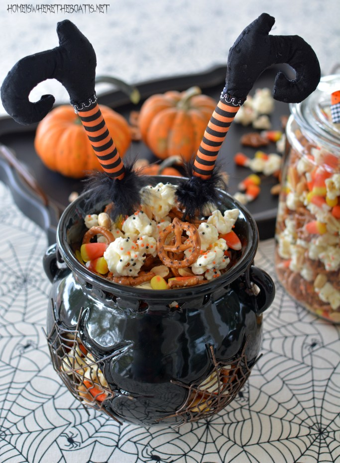 Easy Witch's Potion Popcorn: No Cauldron Required | homeiswheretheboatis.net #Halloween #treat