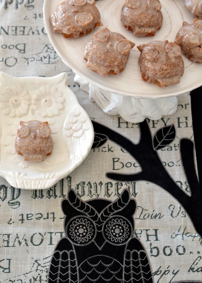 Owl Cakelets with Maple Glaze | ©homeiswheretheboatis.net #halloween #owls