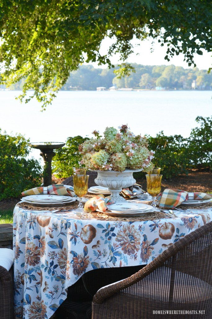 Summer to Fall Transitional Table by the lake with Limelight Hydrangea Centerpiece | ©homeiswheretheboatis.net #tablescapes