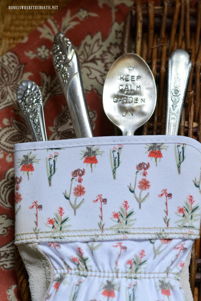 Keep Calm and Garden On stamped spoon marker | ©homeiswheretheboatis.net