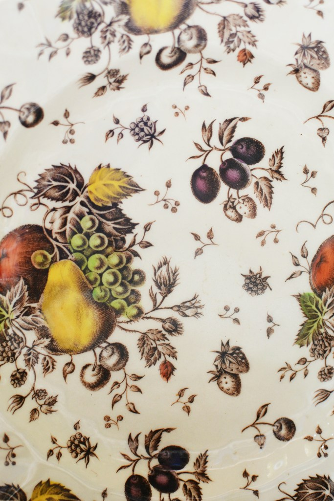 Autumn's Delight by Johnson Brothers | ©homeiswheretheboatis.net #tablescapes #fall #transferware