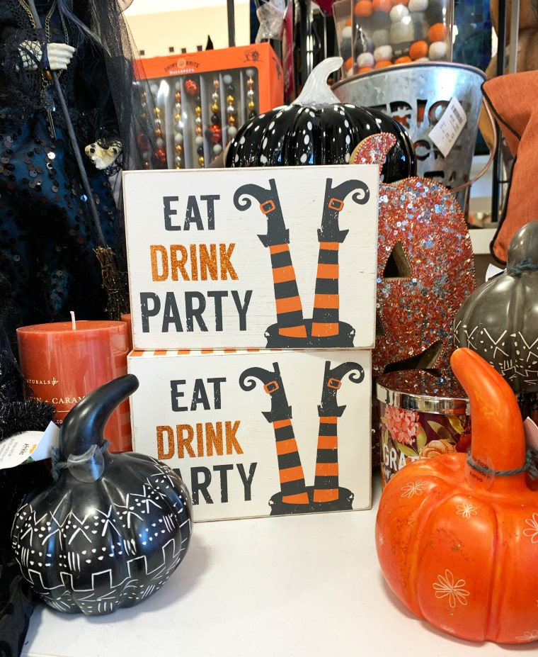 Eat Drink and Party Halloween decor HomeGoods | ©homeiswheretheboatis.net #HomeGoods #halloween