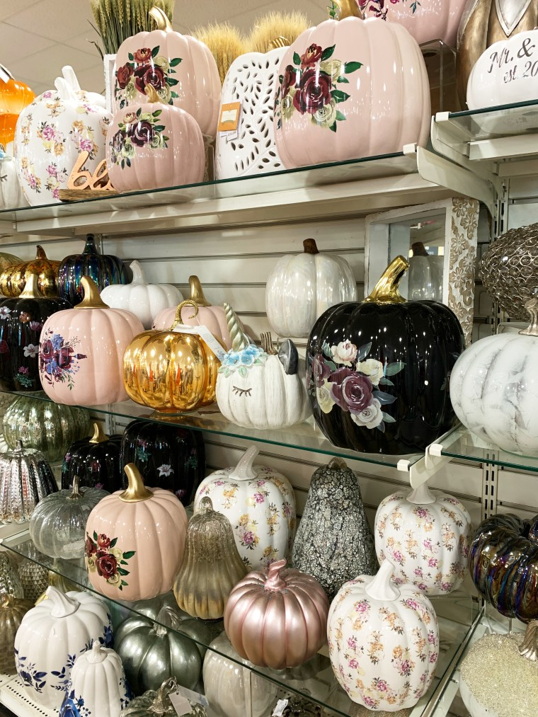 Pumpkins | ©homeiswheretheboatis.net #HomeGoods #fall