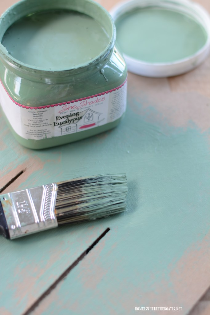 Dry brushing vintage Lawn Chair Refresh with Chalk Paint | ©homeiswheretheboatis.net #chalkpaint #DIY