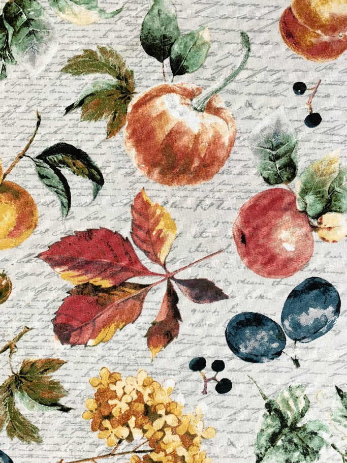 Harvest fall fruits tablecloth | ©homeiswheretheboatis.net #tablescapes #fall #fruit #alfresco