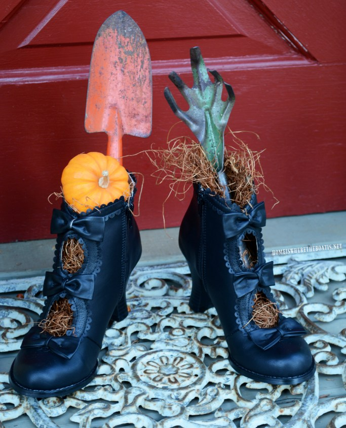 Witch Shoes by Haunted Potting Shed | ©homeiswheretheboatis.net #halloween #pottingshed #witchshoes