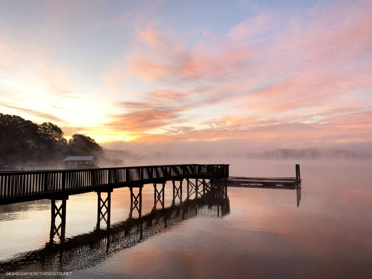 Sunrise with steam fog on Lake Norman | ©homeiswheretheboatis.net #LKN #sunrise
