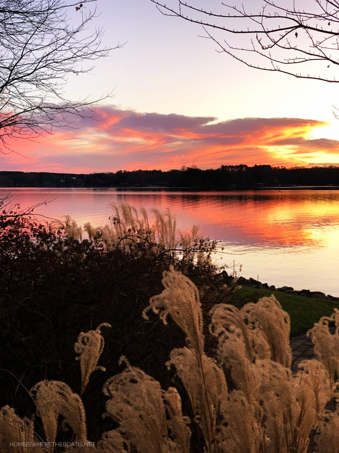 Sunset December Lake | ©homeiswheretheboatis.net #LKN #sunset