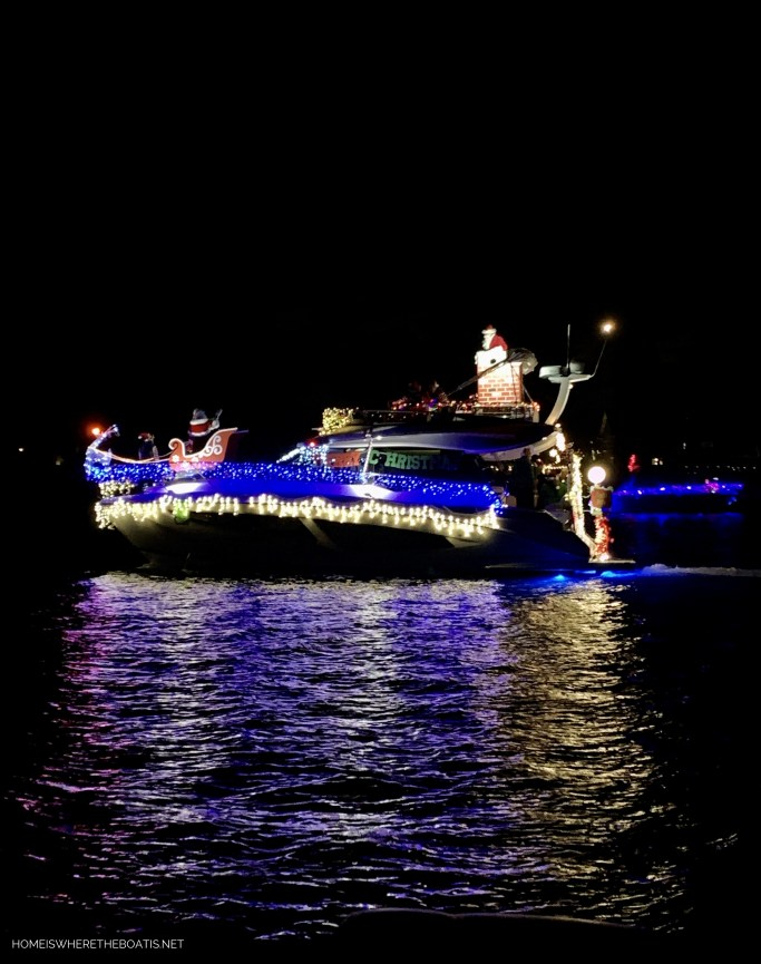 Lighted Boat Parade with Santa | ©homeiswheretheboatis.net #Christmas #LKN #boat