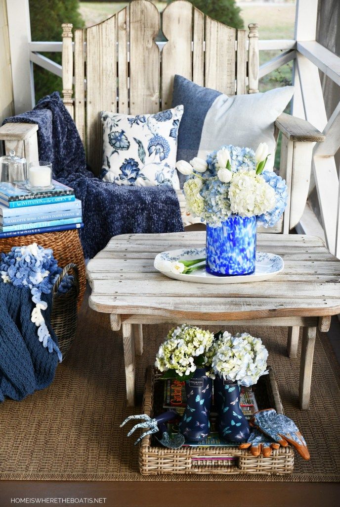 January Blues and Blooms on the Porch   ©homeiswheretheboatis.net